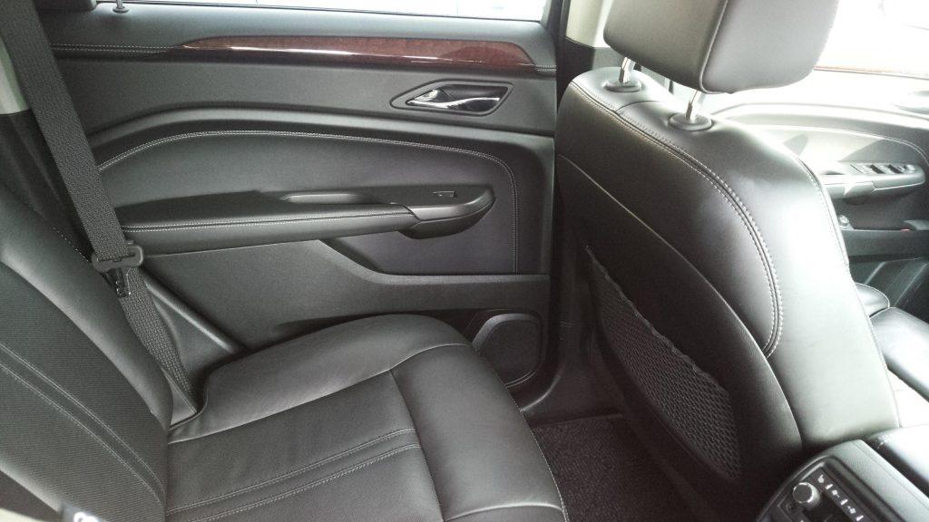 SRX後部座席